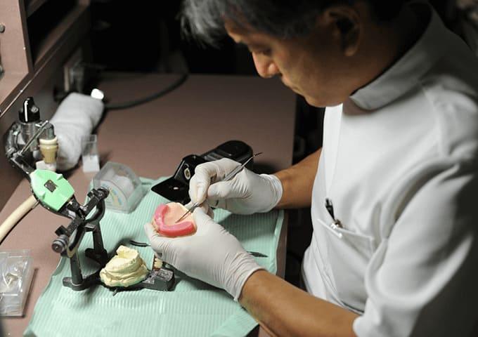 義歯の歯科医師